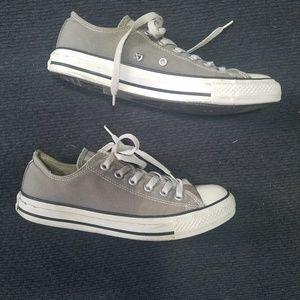 💜 Converse All Stars in gray
